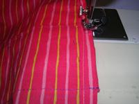 15  Puis on peut renforcer avec des points zig zag. 16  Couture terminée. 17   Le porte bébé tube est utilisable comme ceci mais vous pouvez coudre ... 03edb51b045