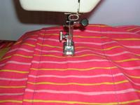 16  Couture terminée. 17  Le porte bébé tube est utilisable comme ceci mais  vous pouvez coudre un arrondi sur l envers à l opposé de la grosse couture ef324f04b6b